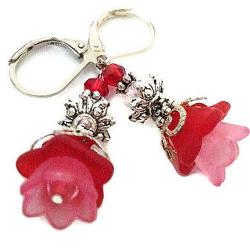 Red Lucite Flower Earrings, Red Earrings, Red Flower Earrings, Floral Earrings, Red Dangle Earrings, Red Drop Earrings, Lucite Earrings