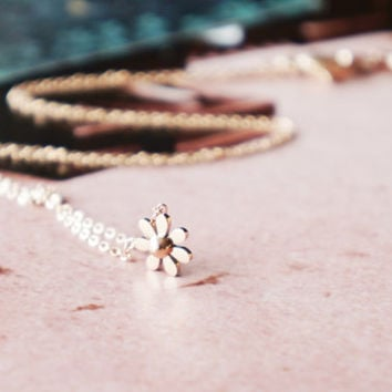 Little daisy necklace - rose gold titanium