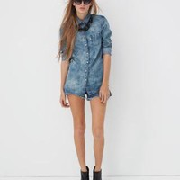 Levi's One Pocket Shirt and Dip Back Stitch Shorts - Spring Outfits