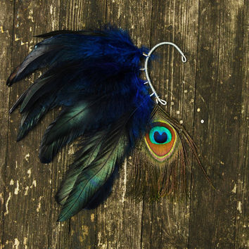 $25.00 Feather Ear Cuff  Eye Of Night Sky by Njuu on Etsy