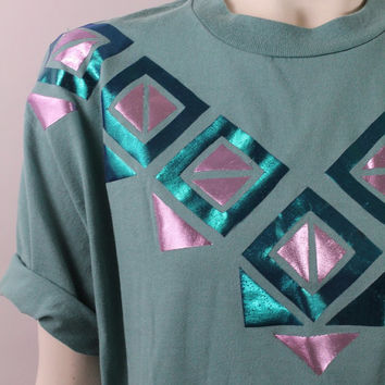 Vintage 80s 90s - Metallic Shiny Green & Pink Geometric Diamonds Triangles Collar Print Graphic Tee T Shirt