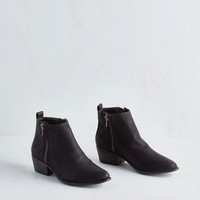 Minimal For You I Quilt Bootie in Black by ModCloth