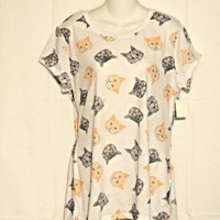 Cats Tee Junior Size XXL 19  White with Orange and Gray Tabby Cat Faces