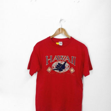 ON SALE 20% Vintage HAWAII Hang Loose Surfing Aloha Red T shirt M