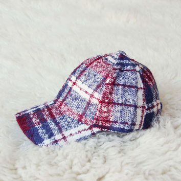 Snowcap Plaid Hat in Burgundy