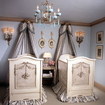 Bonne Nuit Cherubini Crib in Opulent Finish