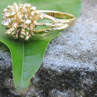 Vintage Gold Cluster Ring with Center Crystal Gold Tone Size 7 1/2