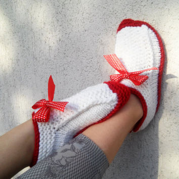 Knitted Slippers/ Hand Knit Warm Slippers/ Womens Slippers Socks/ Wool Slippers/ Teen Slippers/ Red Slippers