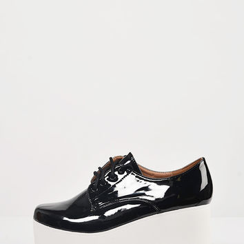 Patent Laced Up Flatform Oxfords