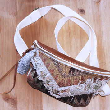 Fanny Pack / Belt Bag / Hip Bag / Bum Bag / Tribal print/ Bohemian Style