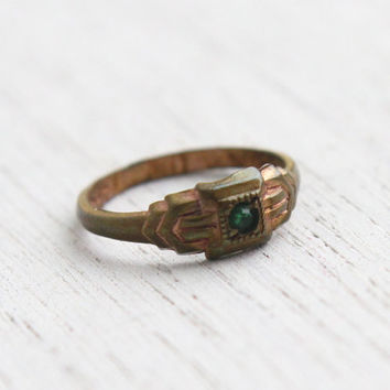 Antique Green Stone Baby Ring - Vintage 1910s 1920s Signed Uncas Rhinestone Jewelry / Geometric Shoulders