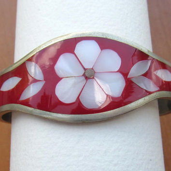 Alpaca Mexico cuff red bracelet Mother of Pearl