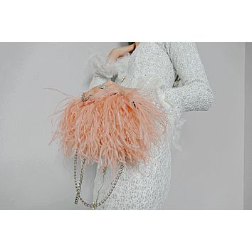Knuckle Ring duster ostrich feather clutch