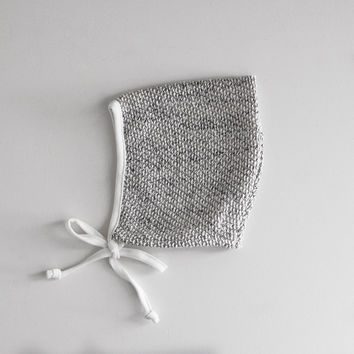 HEATHER GREY KNITTED HAT