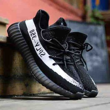 Black Unisex Running Outdoor Yeezy Boost Sneakers Breathable Athletic Sports Shoes
