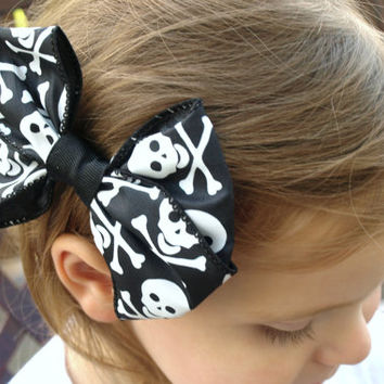 Halloween skull hair bow- black and white holiday hair clip