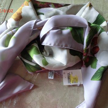 100% Authentic-CHANEL-Flowers-Silk-Scarf-NWT 35X35
