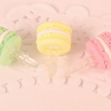 macaron macaroon dust plug - i phone accssories - miniature food - polymer clay food - phone charm