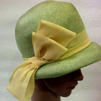 Pastel Green Straw Cloche Hat Vintage Spring Small Hat with Buttery Organza Bow Mid Century Easter Church, Tea Party