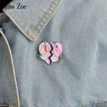 2pcs/set BEST BUDS brooch Enamel pink heart 2 hands pins Collar Corsage Gift for Best friends forever Cartoon BFF Jewelry