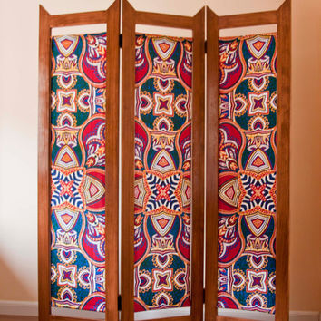 Wood and African Fabric Vlisco Folding Screen Room Divider / Biombo de Madera y Tela Africana Vlisco