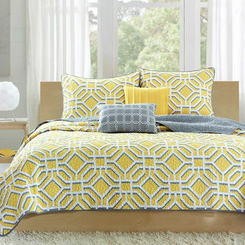 Twin / Twin XL size Geometric Gray / Yellow Lightweight Coverlet Set
