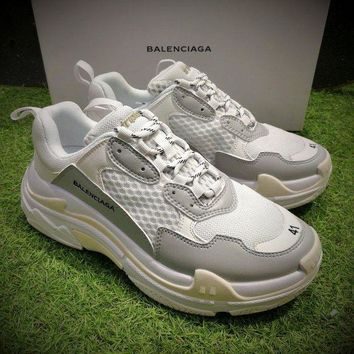 ONETOW Best Online Sale Fashion Balenciaga Triple-S Sneaker 17FW White Grey Casual Shoes 656686W06G011001