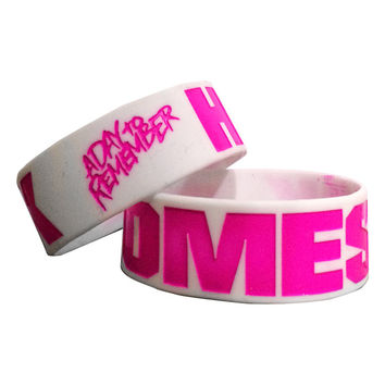 A Day To Remember: Homesick White And Pink Bracelet (White)