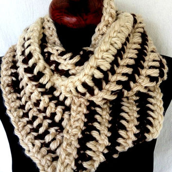 Cream and Brown Infinity Scarf, Chunky Infinity Scarf, Brown Crochet Scarf, Off White Circle Scarf,Christmas Scarf, Chunky Cowl Scarf