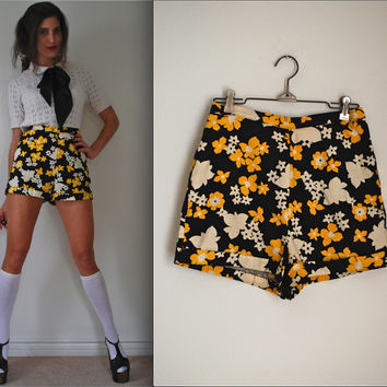 Vintage 60s 70s Flower Power High Waisted Hot Pants (size medium)