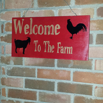 Personalized Welcome to the Farm Sign Wood Family Name Wood Grain Letters