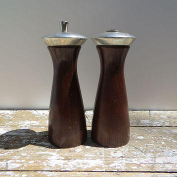 Modern Salt and Pepper Shaker Pepper Mill Southall LTD