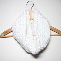 White Infinity Scarf, Crochet Scarf, Chunky Cowl, Circle Scarf, Women's Neckwarmer, Winter Accessory