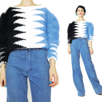 1980s Angora Sweater Fuzzy Two Tone Sweater Black Blue White Abstract Zig Zag Avant Garde Vintage Angora Sweater Womens Pullover Jumper (M)