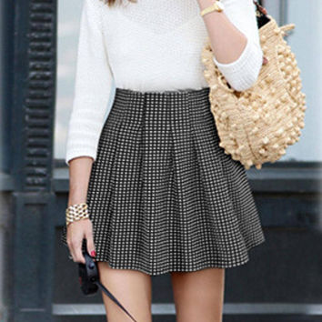 Plus Size Pleated A-line Mini Skirt with Grid Pattern