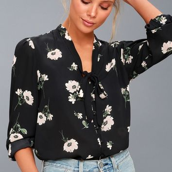 On the Spot Black Floral Print Button-Up Top