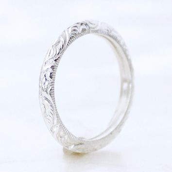Plume Engraved 1.8mm Vintage Inspired Wedding Band