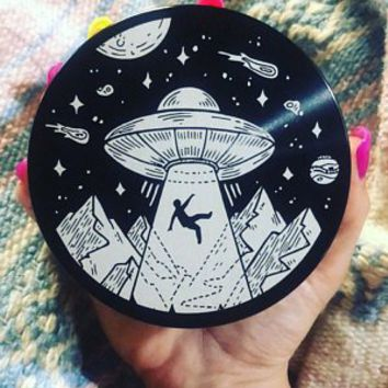 Laser Engraved Herb Grinder - Beam Me Up Space Aliens 4 Piece Aluminum Grinder GW122