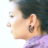 Fake Gauges Earrings Horn Earrings Black  Spiral Tribal Earrings - Gauges Plugs Bone Horn - FG009 H