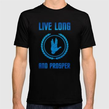 Live Long and Prosper - Spock's hand - Leonard Nimoy Geek Tribut T-shirt by Badbugs_art