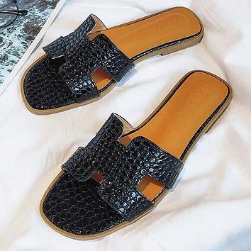 Hermes Fashion Women Casual Leather Beach Flat Slippers Sandals Shoes Black
