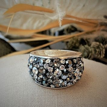 JCM Sterling Silver Plated Swarovski Crystal Embellished Ring Size 7