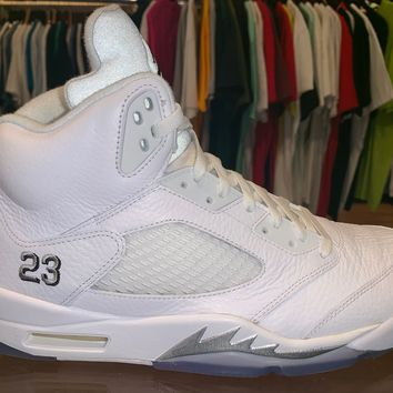 "Air Jordan 5 ""White Metallic"" Pass as New"