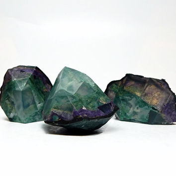 3 Piece Peacock Geode Shaped Soap Set in Green Tea
