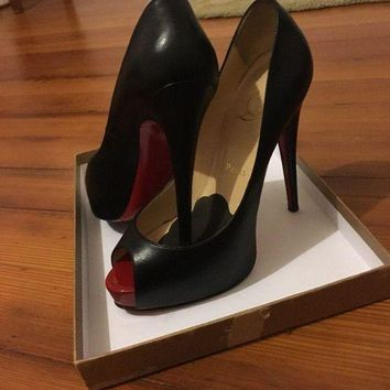 DCCK Christian Louboutin Shoes 39 Vendome Patent Toe
