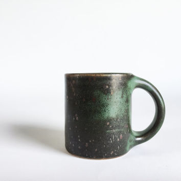 GREEN BLACK MUG 8-10 oz, ceramic, ceramics, pottery, handmade, coffee, tea, hot, chocolate, milk, water, chai, beer, green, small, classic