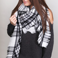 Holiday Plaid Blanket Scarf {Blk/White}