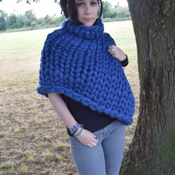 Chunky knitted poncho natural merino wool giant yarn poncho, extreme knitted poncho.