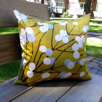 Decorative throw pillow cover, couch cushion cover, pillow sham, Scandinavian design, Marimekko fabric Lumimarja