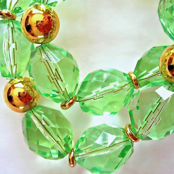 Green Lucite NAPIER Necklace, Faceted Beads, Chunky Vintage '80's